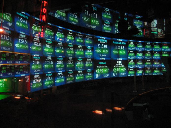 NASDAQ_studio-696x522